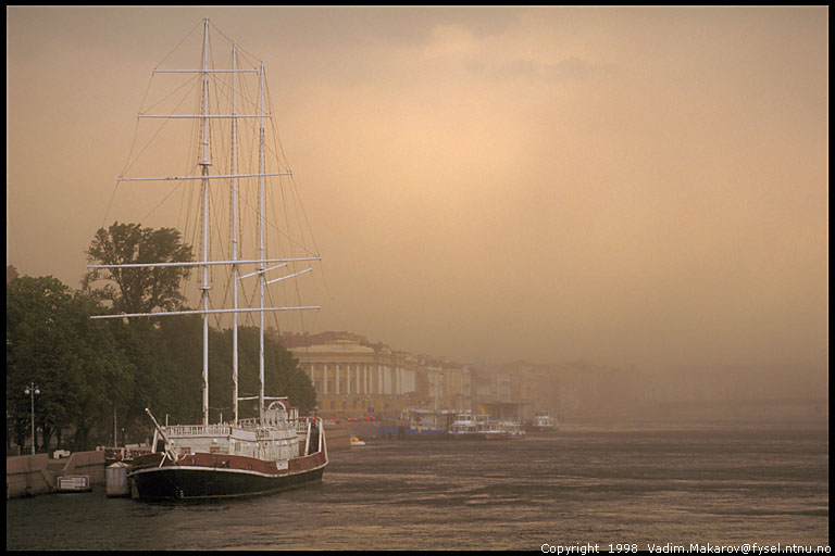 Dust storm in St.Petersburg. Click to enlarge (1536*1024)